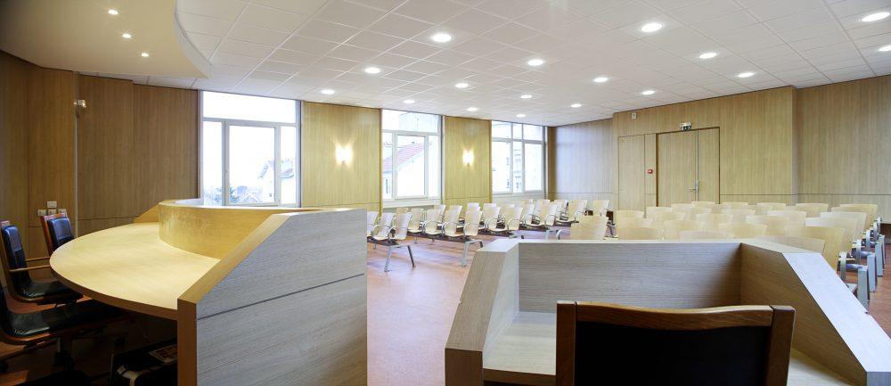 Raincy-tribunal_salle audience2