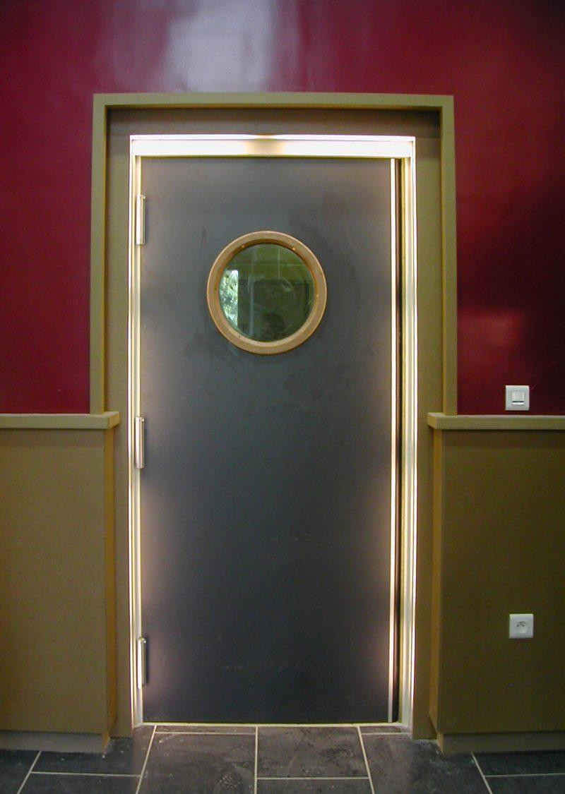 Lycée Autogéré – porte