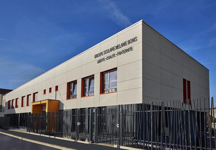 Villecresnes facade